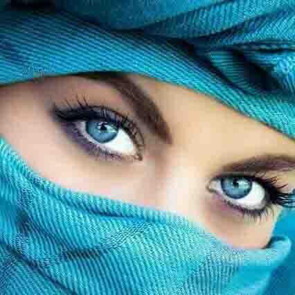 आंखों की खूबसूरती और बढ़ा कर करें उन्हें अपनी ओर आकर्षित