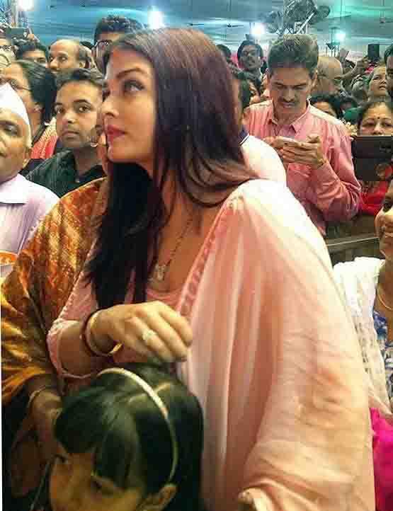बेटी आराध्या संग गणपति बप्पा के दर्शन करने पहुंची ऐश्वर्या राय बच्चन