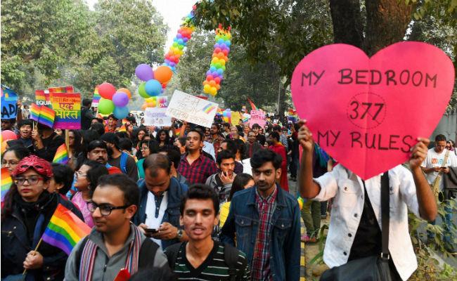 SC करेगी समलैंगिकता को अपराध बताने वाली धारा 377 पर पुनर्विचार