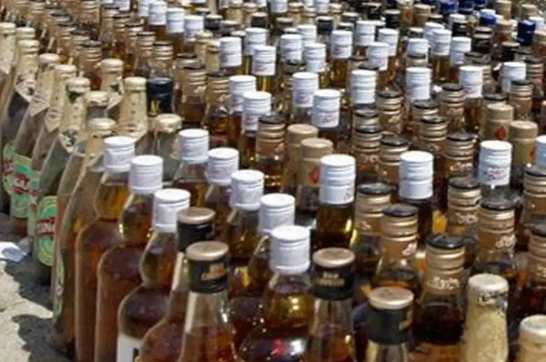 भारी मात्रा में कच्ची शराब बरामद