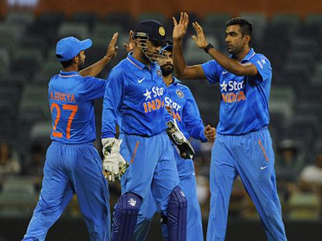 टीम इंडिया घिरी मुश्किल स्थिति में टीम इंडिया का चौथा विकेट गिरा