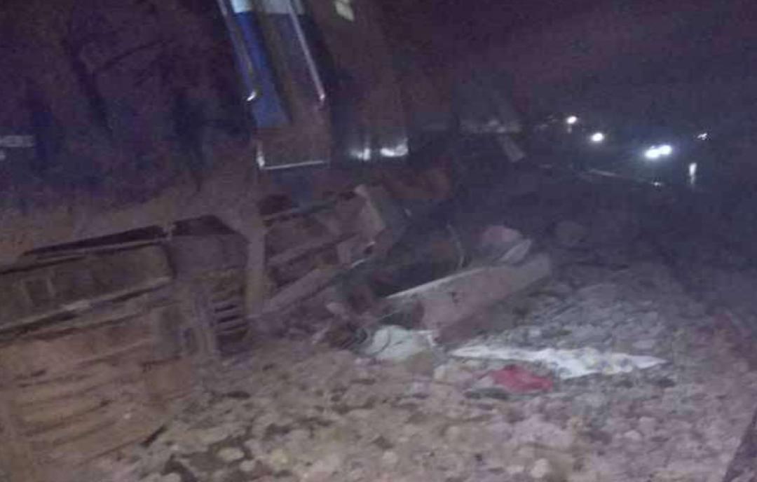 बिहार : दिल्ली जा रही सीमांचल एक्सप्रेस पटरी से उतरी, 6 की मौत