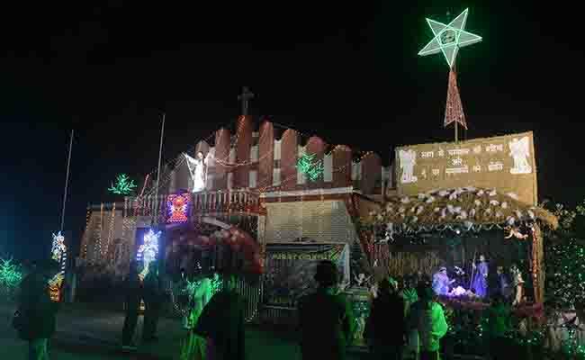 अलीगढ़ में हिंदू जागरण मंच ने क्रिसमस न मनाने की दी धमकी