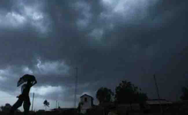 उत्तर प्रदेश में आज तेज हवा के साथ बारिश की चेतावनी, जानें इस सप्ताह देश के इन हिस्सों में क्या है मौसम का हाल