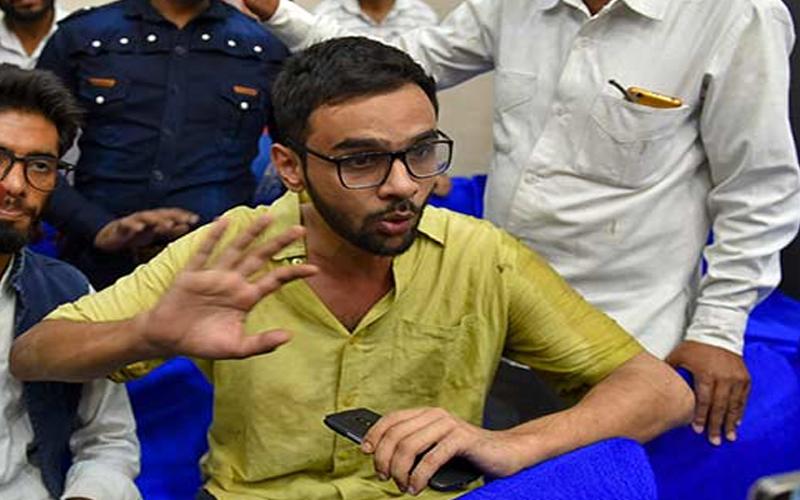 JNU के छात्र नेता उमर खालिद पर हमला करने वाले दो कथित आरोपियों को पुलिस ने लिया हिरासत में