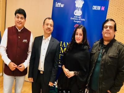 राहुल मित्रा और राइमा सेन को हंगरी में भारतीय फिल्म फेस्टिवल में किया गया सम्मानित