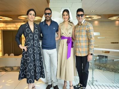 अजय देवगन, तब्बू और रकुल प्रीत कौर ने दिल्ली में किया फिल्म 'दे दे प्यार दे' का प्रमोशन