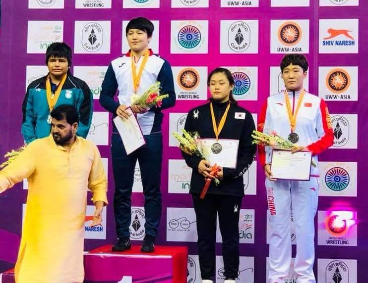 एशियन जूनियर कुश्ती चैम्पियनशिप : फाइनल में हार के बाद फूट-फूटकर रोईं पहलवान दिव्या सेन