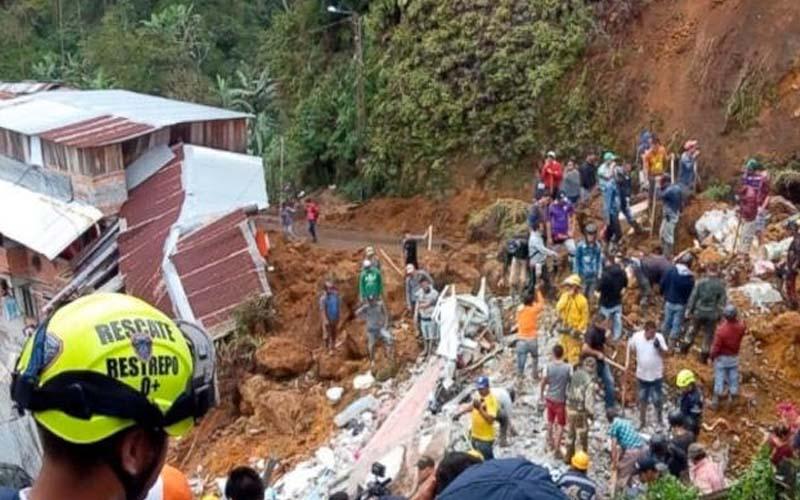 कोलंबिया में मिट्टी धंसने की घटना में 12 की मौत