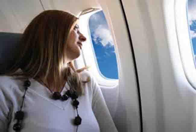 हवाई यात्रा के वक्त भूलकर भी ना करें ये काम नहीं हो सकता है ये बड़ा हदसा