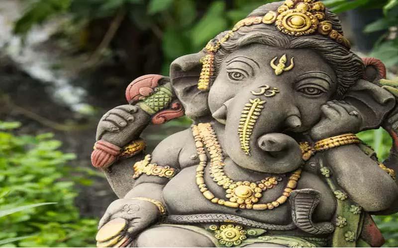 Ganesh Chaturthi के इन 10 खास मैसेज को भेजकर गणपति भक्तों को दें शुभकामनाएं