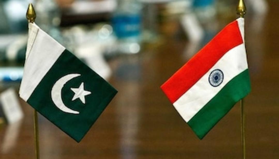फिर अपनी झूठ बोलने की औकात पर आया पाकिस्तान , कहा- दो विमानों के मार गिराए जाने की खबर गलत