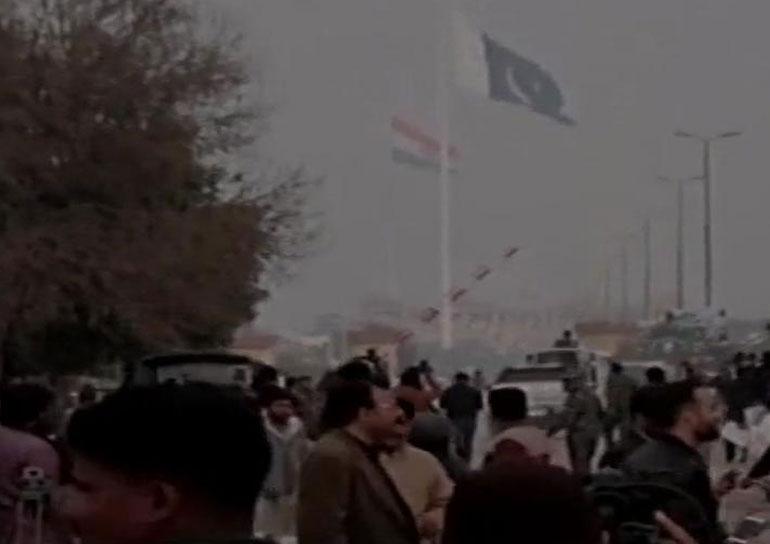 LIVE: पाकिस्तान के वाघा बॉर्डर पहुंचे जांबाज विंग कमांडर अभिनंदन