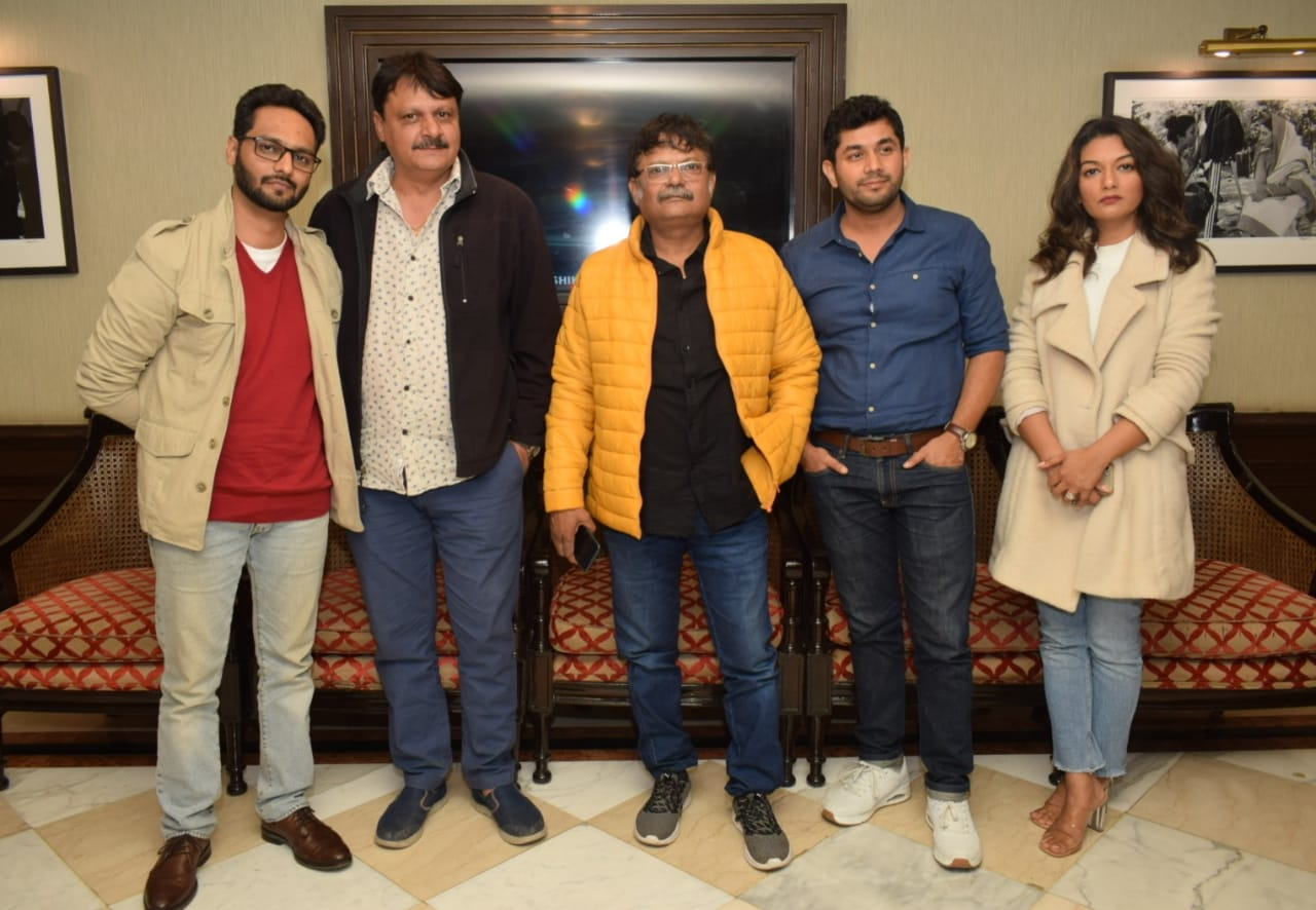 'यहां सब ज्ञानी हैं' फिल्म का प्रमोशन करने दिल्ली पहुंचे स्टार