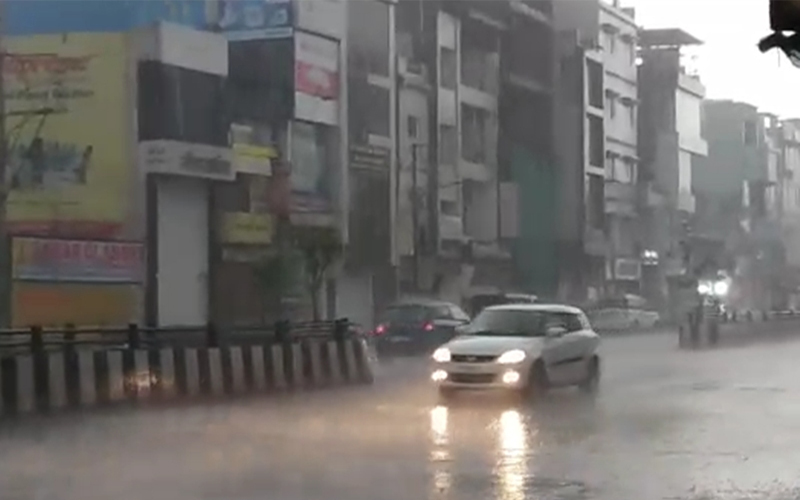 Weather Updates : मप्र में बारिश, आंधी ने मचाई तबाही, आकाशीय बिजली से हुई दो की मौत