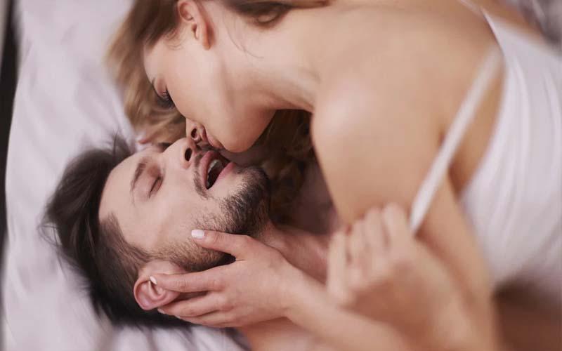 ऐसी लड़कियों की बिस्तर पर होती हैं अच्छी परफॉरमेंस, मिलता है चरम आनंद!