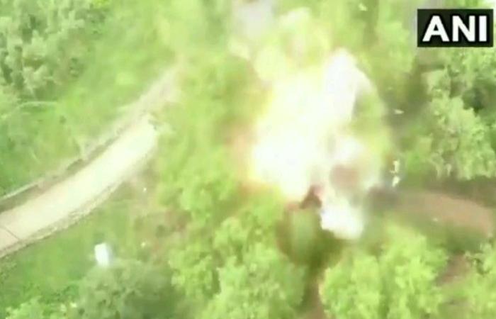पुलवामा पार्ट 2: सुरक्षाबलों के मिली बड़ी कामयाबी, हिजबुल आतंकी का भाई गिरफ्तार