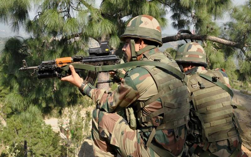 जम्मू कश्मीर : पुलवामा में भारतीय सेना ने ढेर किए लश्कर के 4 आतंकी