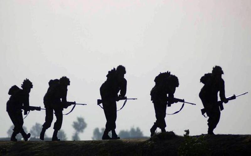 चीनी सैनिकों को मिली भारतीय सैनिकों से बेहतर संवाद के लिए हिंदी सीखने की नसीहत