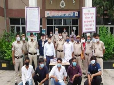दिल्ली: साथी के जेल से रिहा होने का मना रहे थे जश्न, पुलिस ने 40 में से 37 को बदमाशों को किया गिरफ्तार