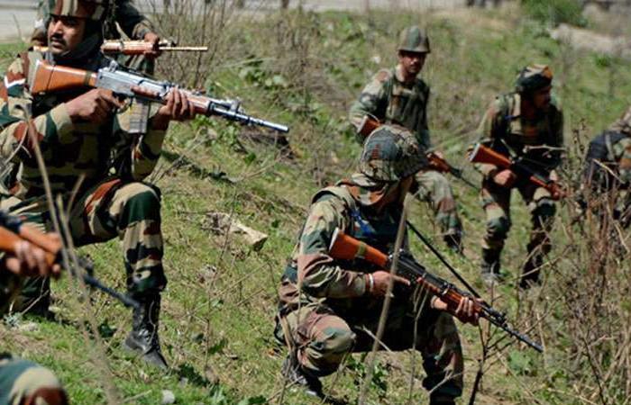 जम्मू-कश्मीर के शोपियां में सुरक्षाबलों के साथ मुठभेड़ में तीन आतंकी ढेर