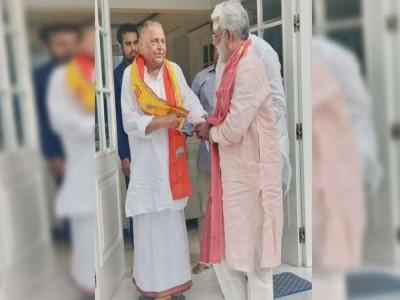 मुलायम सिंह यादव की नाराज यूपी बीजेपी अध्यक्ष स्वतंत्र देव सिंह से बढ़ती नजदीकिया कहीं बन ना जाए भाजपा की मुसिबत