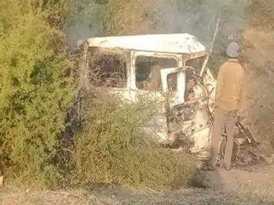 गुजरात: कार और ट्रक की टक्कर, 6 लोगों की मौत