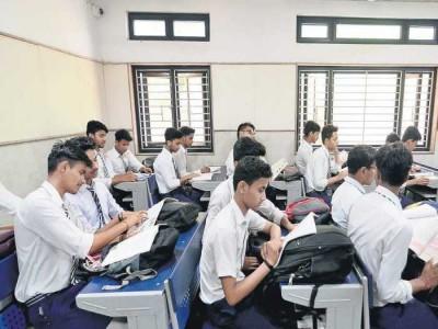 Delhi News: 10वीं और 12वीं के छात्र 18 जनवरी से जा सकेंगे स्कूल
