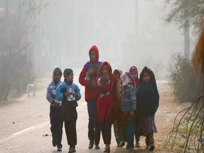 फिर ठंड से कांपी दिल्ली, 4.4 डिग्री सेल्सियस पहुंचा तापमान