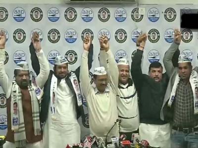 Delhi Assembly Elections 2020: विधानसभा चुनाव से पहले कांग्रेस को बड़ा झटका, इन नेताओं ने थामा आप का दामन