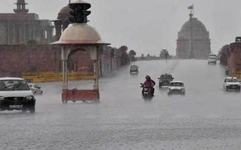 Weather Updates: दिल्ली-एनसीआर में आज भी मौसम हुआ मेहरबान, इस दिन मॉनसून देगा दस्तक