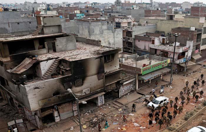 दिल्ली: गांधी नगर में फटा गैस सिलेंडर, 15  हुए घायल