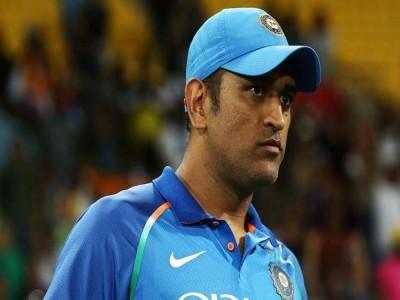 क्रिकेट में वापसी के सवाल पर MS Dhoni ने दिया ये जवाब,सब हो गए चुप