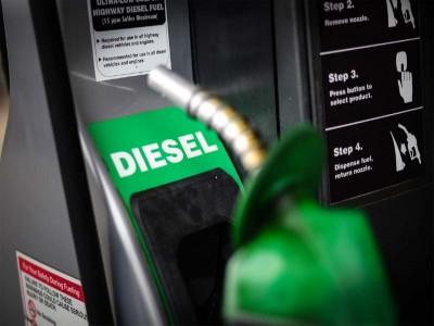 पेट्रोल के बाद अब डीजल ने भी लगाया शतक, इस शहर में दाम हुए 100 के पार