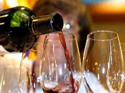 महाराष्ट्र के मंत्री शराब की ऑनलाइन बिक्री की इज्जत वाली बात से पलटे