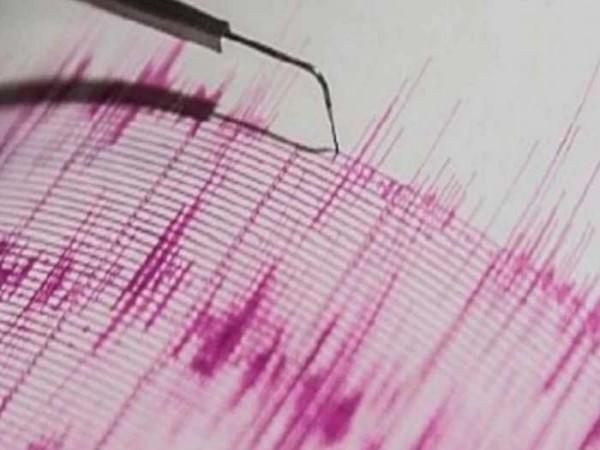 Breaking News : दिल्ली-NCR में भूकंप के तेज झटके