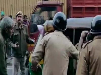 Delhi Fire News: दिल्ली के फिल्मीस्तान के पास लगी आग,43 की मौत