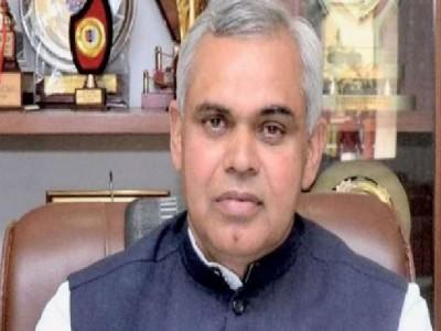 National Doctor's Day पर गुजरात के राज्यपाल ने लगाया डॉक्टर्स पर चोरी का इल्जाम, कहा- दवा और इंजेक्शन डॉक्टर ही चुराते हैं