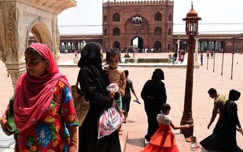 मुस्लिम महिलाएं कर पाएंगी मस्जिदों में प्रवेश? हाईकोर्ट में जनहित याचिका दायर