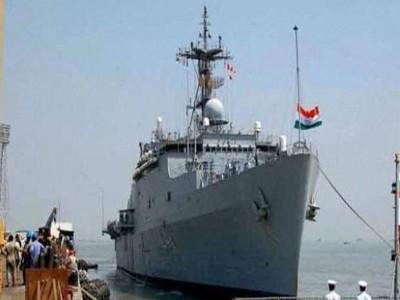चक्रवात से तबाही के कगार पर देश, मदद के लिए बढ़ी भारतीय नौसेना