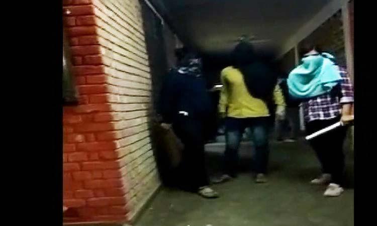 JNU हिंसा: दिल्ली पुलिस ने दर्ज किया केस, कई हमलावरों की हुई पहचान