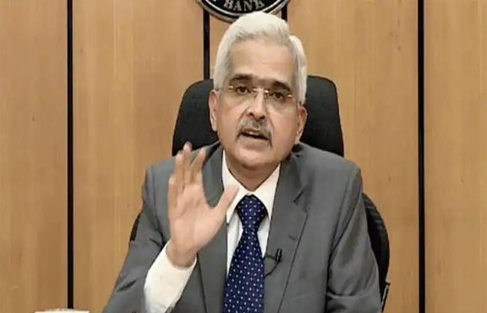 RBI ने बढ़ाया मदद का हाथ, इमरजेंसी हेल्थ सेवा के लिए 50,000 करोड़ रुपये दिए