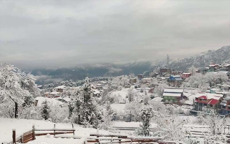 जम्मू-कश्मीर के श्रीनगर में 1991 के बाद पड़ी सबसे ज्यादा ठंड