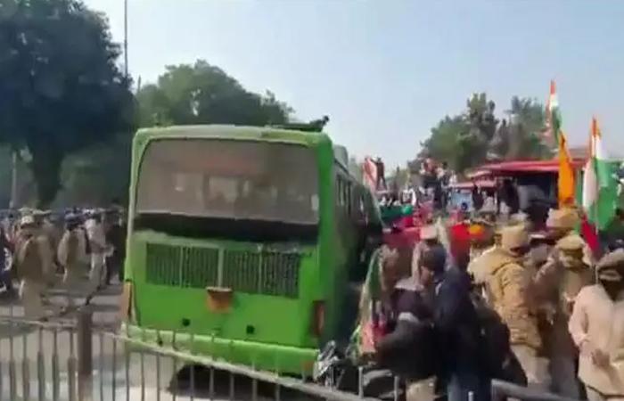 मुंबई में 50 हजार किसानों का सैलाब