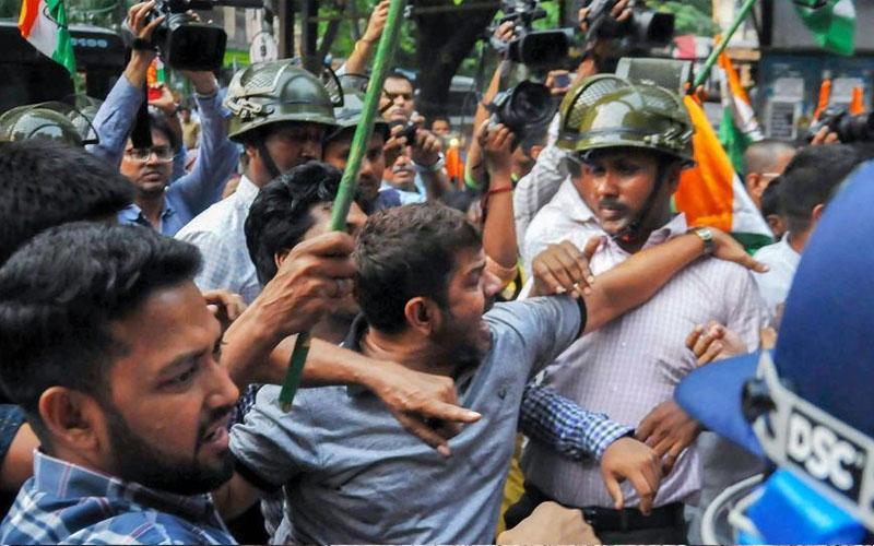 Lok Sabha Elections Phase 7 Live Updates: प.बंगाल में बीजेपी कार्यकर्ता पर हमला, फिर लगा TMC पर आरोप