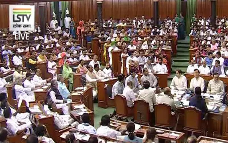 Parliament Live Updates: पीएसयू में विनिवेश पर टीएमसी का हंगामा