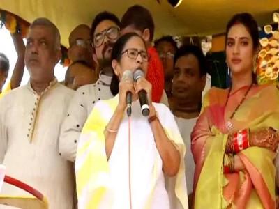 रथ यात्रा में पहुंची ममता बनर्जी तो BJP समर्थकों ने लगाए जय श्रीराम के नारे