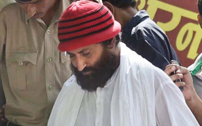 सूरत रेप केस: आसाराम के बेटे नारायण साईं को 1 लाख के जुर्माने के साथ मिली उम्रकैद की सजा