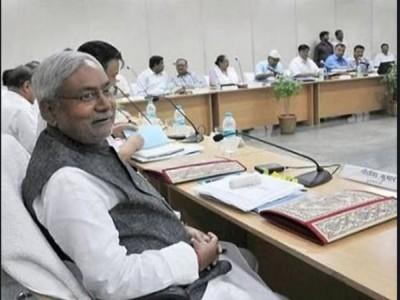 बिहार कैबिनेट विस्तार- मंत्रियों का नाम फाइनल करने दिल्ली रवाना हुए BJP के शीर्ष नेता