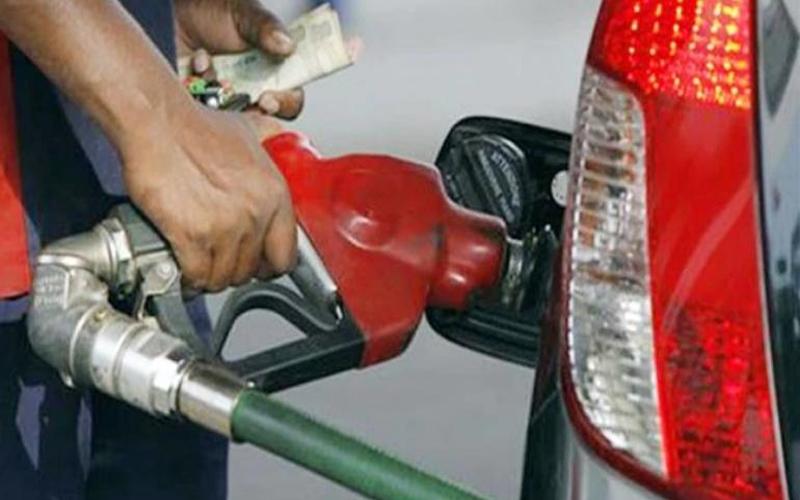 दिल्ली में पेट्रोल का दाम स्थिर, डीजल के है ये दाम